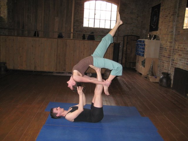 Acroyoga basing and flying